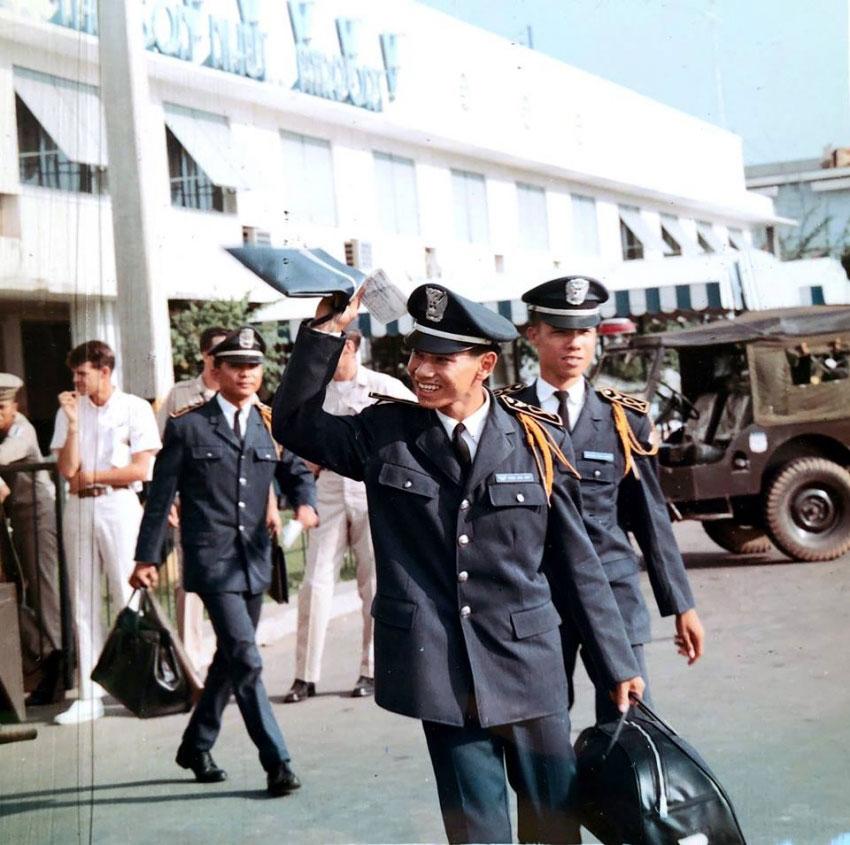 Buổi Tiễn Đưa SVSQ Không Quân Đi Du Học ở Phi Trường Tân Sơn Nhứt