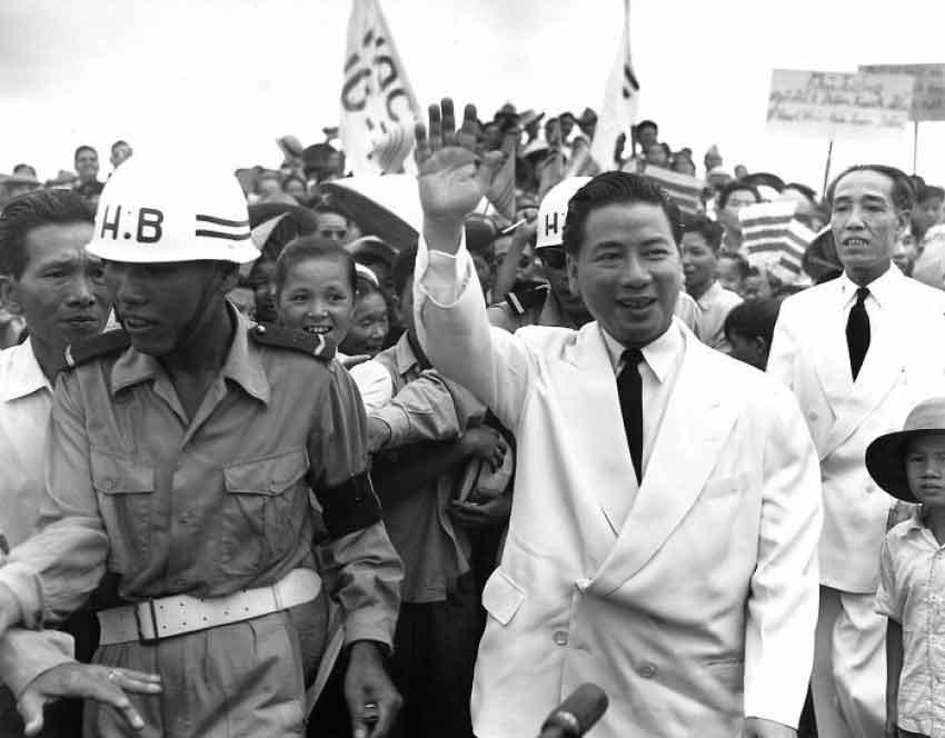 Chứng Nhân Một Sự Kiện Lịch Sử (Về Ngày 2 tháng 11 năm 1963)- Tinh Hoai Huong